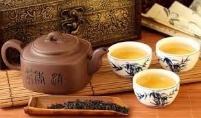 Kanne Tee mit 3 Tassen